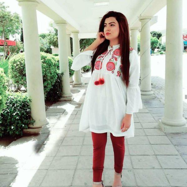 women stylish kurty
